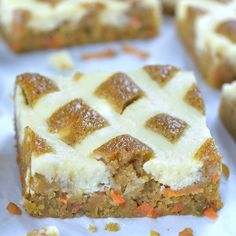Carrot Apple Cheesecake Blondies Carrot Apple Cheesecake Blondies brings together a few indulgent desserts in just one simple and easy blondie bar recipe.Moist layers of carrot cake swirled with creamy cheesecake, topped with cream cheese frosting. Apple Desserts, Chocolate Desserts, Easy Desserts, Delicious Desserts, Yummy Food, Carrot Cake Bars, Cake Recipes, Dessert Recipes, Pork Recipes