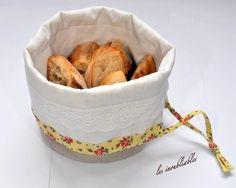 Petite corbeille à pain en tissu