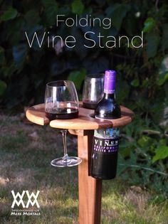 Folding wine stand. Great for summertime picnics and fireworks! Free plans and tutorial.