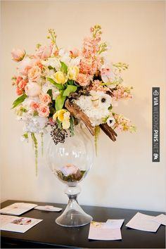 peach wedding flowers | CHECK OUT MORE IDEAS AT WEDDINGPINS.NET | #weddings #weddingflowers #flowers