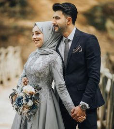 Hand in hand to Happiness l - Hochzeit Couples Musulmans, Cute Muslim Couples, Wedding Couples, Wedding Couple Poses Photography, Couple Photoshoot Poses, Couple Posing, Hijab Style Dress, Hijab Wedding Dresses, Rosa Rose