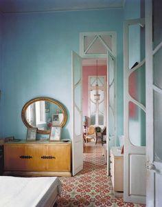 Decor: strong tile theme/soft walls