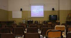 Video choc sull'aborto proiettato in classe:la Curia sospende prof di religione a Milano