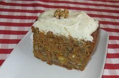 Prajitura cu morcovi a lui Jamie Oliver Jamie Oliver, Poppy Cake, Vanilla Cake, Pudding, Recipes, Dios, Mascarpone, Yogurt, Bakken