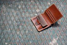 silkfatblues wallet Handmade Leather Wallet, Leather Bifold Wallet, Leather Wallets, Holsters, Leather Working, Laptop Bag, Leather Craft, Lion, Felt