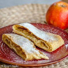 Štrúdl, který můžete péct i několik dní po sobě - Spicy Crumbs Czech Recipes, Ethnic Recipes, Sweet Cooking, Strudel, Amazing Cakes, Cake Recipes, Sweet Tooth, Spicy, Bakery