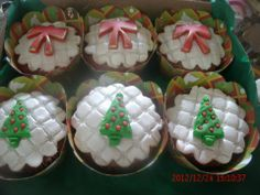 Cupcakes natal by Neia Lucin