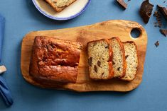 For a chocolate banana bread that's exceptionally soft, swap sour cream for Greek yogurt. Chocolate Yogurt, Chocolate Banana Bread, Chocolate Recipes, Frozen Greek Yogurt, Greek Yogurt Recipes, My Dessert, Dessert Recipes, Desserts, Yogurt Banana Bread