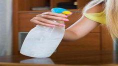 A portörlés sokaknak egy rémálom éppen azért, mert gyorsan újra leülepszik a por a bútoron, és úgy tűnik, mintha nem csináltál volna semmit. De van egy jó trükk, hogy a bútorokon ne jelenjen meg újra a por, egy portaszító keverék, ami ráadásul nem teszi tönkre a bútorok felületét. Hozzávalók: 1 liter víz 1 evőkanál almaecet 1 evőkanál glicerin Készítése: Keverjük össze a vizet, ecetet és glicerint. Kenjük ezta folyadékot egy pamut törlőkendő segítségével és minden problémás felülete... Glass Of Milk, Water Bottle, Diy, Rest, Creative, Bricolage, Water Bottles, Do It Yourself, Homemade