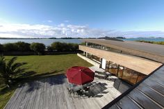 Roscoff, vue sur mer, maison d'architecte avec piscine intérieure Station Balnéaire, Prestige, Surfboard, France, Littoral Zone, Surfboard Table