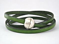 Green triple wrapped leather bracelet with magnetic clasp