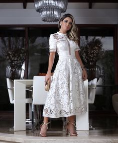 Este posibil ca imaginea să conţină: 1 persoană Elegant Outfit, Elegant Dresses, Pretty Dresses, Casual Dresses, Dresses For Work, Summer Dresses, Lace Dress With Sleeves, The Dress, Dress Skirt