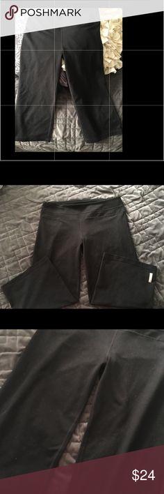 Zella Crops Excellent Condition- Capri Length- Sz 10- slight flare, not too wide - Smoke Free Home Zella Pants