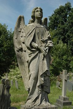 Angel in Hampstead Cemetery, Hampstead London, England, United Kingdom Cemetery Angels, Cemetery Statues, Cemetery Headstones, Cemetery Art, Angel Statues, Creepy Guy, Garden Angels, Angels Among Us, European Paintings