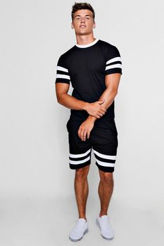 Contrast Sleeve Panel T-Shirt And Short Set Casual T Shirts, Casual Outfits, Men Casual, Casual Clothes, Ralph Lauren Mens Shirts, Track Suit Men, Men Street, Street Wear, T Shirt And Shorts
