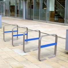 The Lute Cycle features a galvanised steel flat bar hoop with a cross bar that can be powder coated in a range of different colours to create an eye catching unique look.    This stylish cycle rack is ideal for use in city centres, university or college campuses and other contemporary locations.    The coloured cross bars can add a vibrant splash to areas and emphasise branding too.