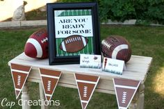 (Free) Football Party Printables Note the Football-type Pennant Banner as well as Football Party Printables Football Birthday, Sports Birthday, Sports Party, Football Wedding, Sports App, Football Party Decorations, Football Themes, Football Humor, Football Shirts