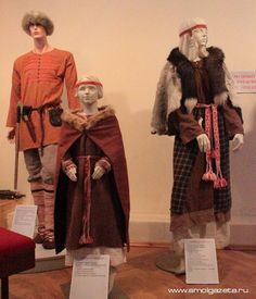 ancient russian world in homestead Gnezdovo Smolensk area . reconstruction of belongings 1000 years back ( before christian epoch ) Norse Clothing, Medieval Clothing, Historical Clothing, Broadway Costumes, Cool Costumes, Costumes For Women, Viking Reenactment, Viking Costume, Larp