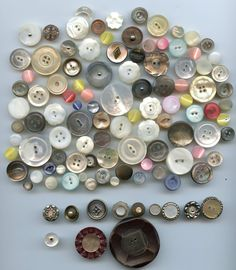 SOLD: 109 pearl buttons antique and vintage buttons