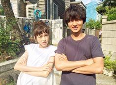 "[New web ad, 06/06/16] https://www.youtube.com/watch?v=e0wuJ2_510A or [web ad, Official site] http://www.fujitv.co.jp/sukinahitogairukoto/ Mirei Kiritani x Kento Yamazaki x Shohei Miura x Shuhei Nomura, J drama ""Sukina hito ga iru koto (A girl & 3 sweethearts)"", July/2016"