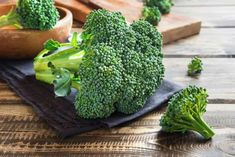 Broccoli is a versatile vegetable that can be enjoyed year round. It is delicious both raw and cooked, as a snack, appetizer, or part of the main dish. Read more about how broccoli can fit into a kidney-friendly diet. Nutrients In Broccoli, Odile Fernandez, Broccoli Pesto, Broccoli Sprouts, Calcium Rich Foods, High Calcium, Probiotic Foods, Diabetes, Crunches