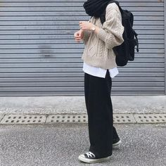 Modest Fashion Hijab, Street Hijab Fashion, Muslim Fashion, Hijab Fashion Style, Modern Hijab Fashion, Batik Fashion, Winter Fashion Outfits, Look Fashion, Mode Turban