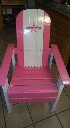 Not in pink though! Dallas Cowboys Blanket, Dallas Cowboys Crafts, Dallas Cowboys Party, Cowboy Crafts, Redneck Crafts, Hand Painted Chairs, Exotic Homes, How Bout Them Cowboys, Patio Chairs