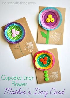 Bright and cheerful kid-made Mother's Day Card made from a cupcake liners! Mom will love these keepsake flowers from their children this spring! #mothersdaycards #DIYcards