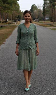cashmere cardi and skirt , hand knitted. Hand Knitting, Cashmere, Tunic Tops, Coats, Skirts, Projects, Women, Fashion, Moda