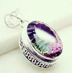#nature #wife #out #guys #friday #anniversarygift #Apatitependant #pendant #silver #gemstone #quartz #mystic #handmade #gems #jewelry #riyo #sapphiremurah #shadow #jewels