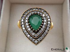 Jewelry Shop, Jewelry Stores, Jewelery, Silver Jewelry, Jewelry Design, Emerald Jewelry, Emerald Gemstone, Jewelry Holder, Diamond Jewelry