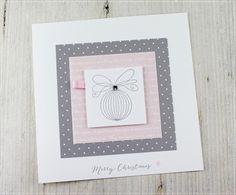 Wunderschöne, liebevoll gestaltete und individuelle Weihnachtskarte in Stempel- und Stanztechnik hergestellt.  Zur Karte gehört ein transparenter Briefumschlag.