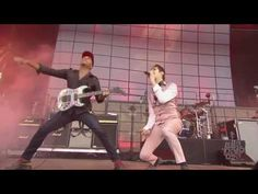 Jane's Addiction with Tom Morello - Mountain Song - Lollapalooza 2016 - YouTube