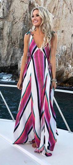 Pretty #stripes #maxidress #summerstyle #summerfashion #summeroutfit #womensfashion #summer