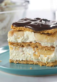 """No-Bake Banana Eclair """"Cake"""" – What could be better than this no-bake, easy-to-make version of an Italian classic dessert? With bananas, creamy Vanilla JELL-O Pudding, and yummy milk chocolate inside, we sure can't think of anything!"""