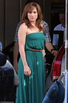 Still got it: Jennifer's green maxi was a lot more glam than the dowdy outfits she's been seen in on set recently