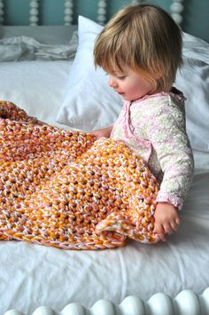 Aesthetic Nest: HOH in Crochet: Easy Baby Afghan (Tutorial)