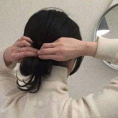 coffee café light beige white light aesthetic beige aesthetic minimalistic clothes kawaii ethereal beauty japanese aesthetic korean fashion style street style white aesthetic r o s i e Korean Aesthetic, Beige Aesthetic, Aesthetic Photo, Aesthetic Girl, Aesthetic Pictures, Japanese Aesthetic, Aesthetic Drawing, Aesthetic Grunge, Aesthetic Light