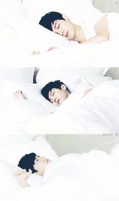 Luhan durmiendo :3