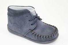 Eerste loopschoentje van Blauw suede van het merk Bardossa, met flexzooltje