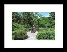 Empathy, Emanuel Enriquez, statue, sculpture, toledo, ohio, botanical garden, landscape, michiale schneider photography