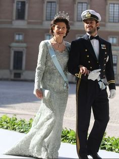 Prince Carl Philip and Queen Silvia at Princess Madeleine's wedding, 06/08/13.