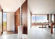 Es Pujol De S´era is a beautiful single level home and work studio in Spanish island Formentera designed by Spanish architect Marià Castelló Martínez.