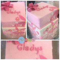 #pastelicious #fondantcake #birthdaycake