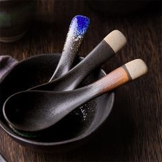 Our Japanese Ceramic Spoons were made to enhance your kitchen decor. These whimsical accessories come with accented handles to create an individual look. Ceramic Spoons, Ceramic Tableware, Ceramic Mugs, Ceramic Art, Slab Pottery, Pottery Bowls, Ceramic Pottery, Japanese Ceramics, Japanese Pottery