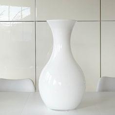 Bodenvase von Tchibo   aus Milchglas   komplett unversehrt   Höhe: 50cm   Selbstabholung oder Versand   Preis inkl. Versand: 15