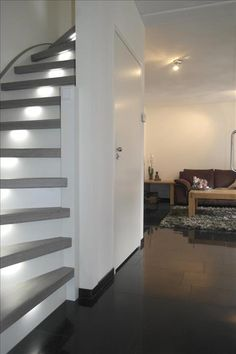 Upstairs Staircase Renovations is a renowned partner for every staircase renovation. Our years of experience and craftsmanship make us the specialist in staircase renovation. Home Stairs Design, Interior Stairs, Interior Design Living Room, Living Room Designs, House Design, Oak Stairs, House Stairs, Paint Colors For Living Room, My Dream Home