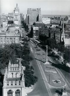 Looking west on Wisconsin Ave. Note the Schroeder Hotel was still occupying the now Hilton Hotel building.
