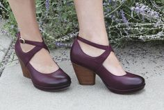 Cheers for the new Dansko fall line, including this beautiful Minette heel in wine, one of the hottest colors of the season. | 1000s of comfortable women's shoes reviewed at www.BarkingDogShoes.com