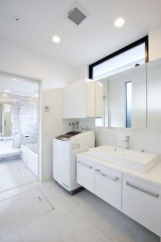 黒/光の住宅・間取り(愛知県北名古屋市) | 注文住宅なら建築設計事務所 フリーダムアーキテクツデザイン Home Design Plans, Home Interior Design, Diy Home Decor On A Budget, Paint Colors For Living Room, Bathroom Toilets, Japanese Design, Furniture Design, Kitchen Cabinets, House Design